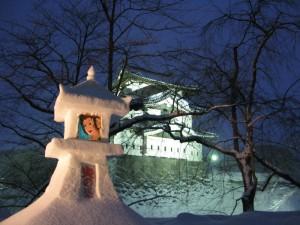 お城と雪灯籠